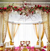 Các mẫu cổng cưới đẹp khi tổ chức tiệc nhà hàng 12