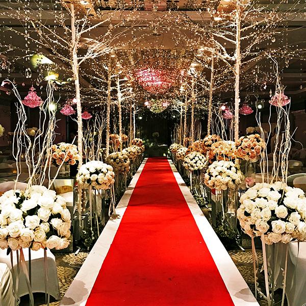 4 Cách tạo backdrop sân khấu tiệc cưới ai cũng mê 5