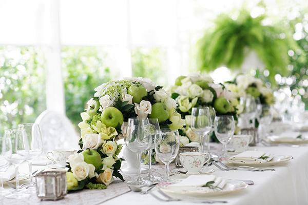 Tự tay trang trí bàn cưới đơn giản và đẹp mắt 4